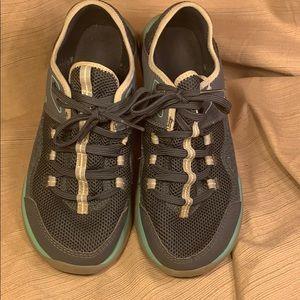 TEVA wonderful breathable sneakers sz8/39 lightwgt